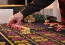クルーズ旅行で大人の遊びを満喫!レポーターが自腹でクルーズ船内カジノにて遊んでみた!